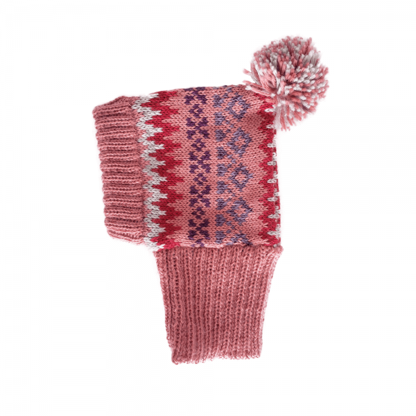 <em><strong>We combine textile heritage and global trends with alpaca—a raw, sustainable, and luxurious fibre—to make our designs unique.</strong></em> Keep your pup warm and stylish with Alqo Wasi´s Alpaca hat. It's made with super soft Alpaca fiber for maximum comfort anywhere your fashionable adventures take you. Beautifully made with great attention to detail. Don´t forget to match this beauiful hat wih our Fall Medley Pink Sweater. This garment has been designed thinking on the well being of your pet.
